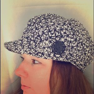 Accessories - Tweed black and white fashion hat